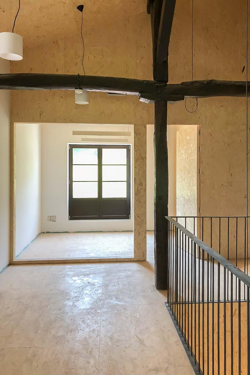 Interior de casa de cultura rehabilitada